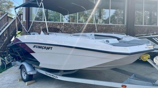Starcraft SVX 171 OB Deck Boat