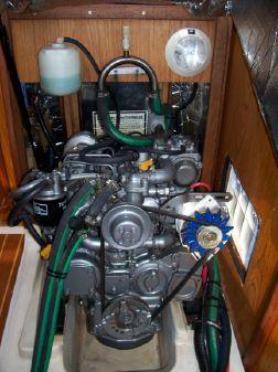 Hunter 380 image