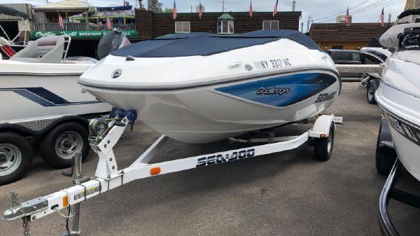 Sea-Doo Challenger