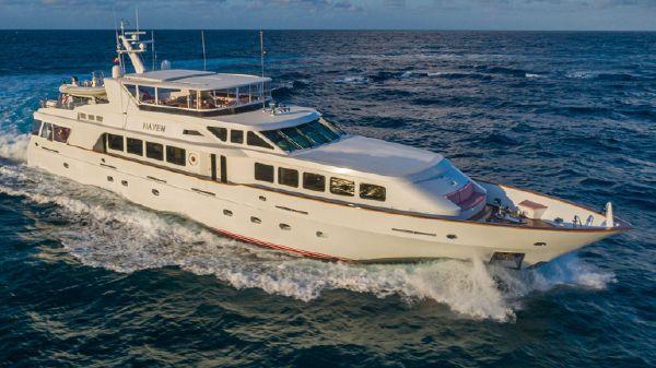 Trinity Yachts Raised Pilothouse