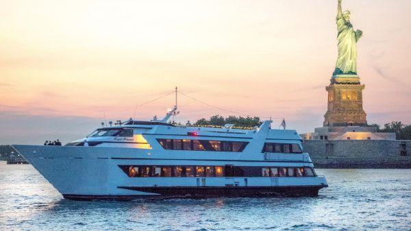 Custom Dinner Yacht