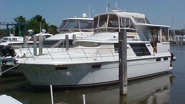 Carver 42 Motor Yacht Photo 1