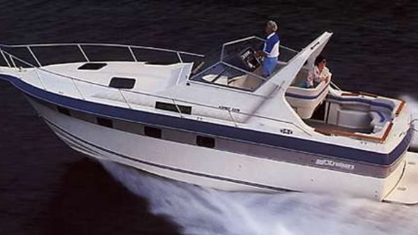 Cruisers Yachts 3370 Esprit