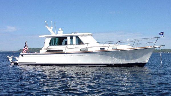 Sabre 42 Salon Express Profile at Anchor