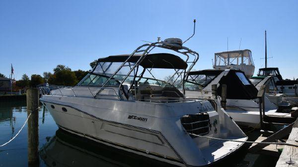 Cruisers Yachts 3670 Esprit