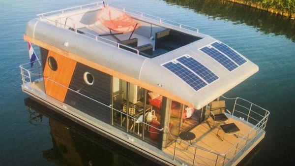 Houseboat - 2021