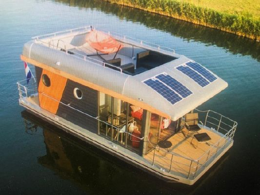 Houseboat - 2021 - main image
