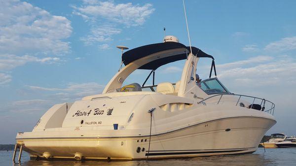 Sea Ray 340 Sundancer On the Hook
