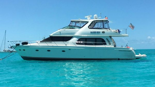 CARVER YACHTS 56' VOYAGER SKYLOUNGE
