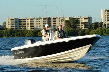 Sailfish 1900 BB Bay Boat - main image