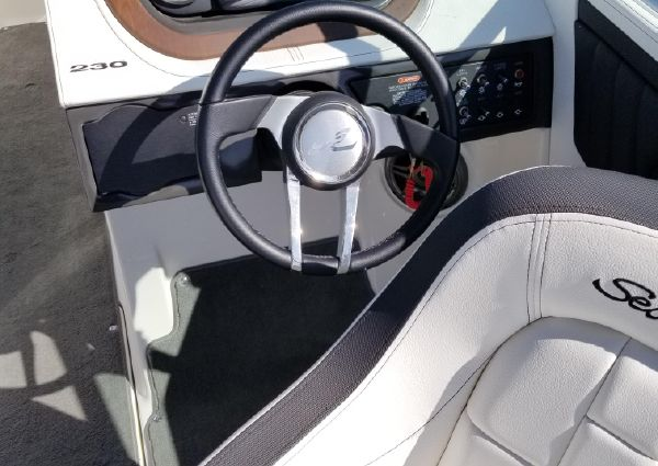 Sea Ray 230 SLX image