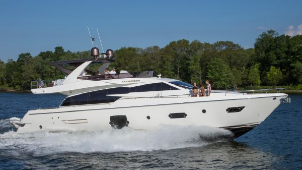 Ferretti 750 Hard Top