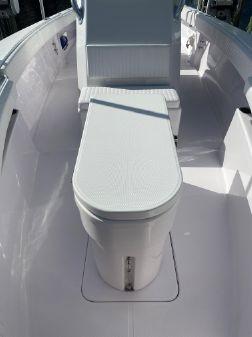 Island Runner 35 CC Flat Deck image