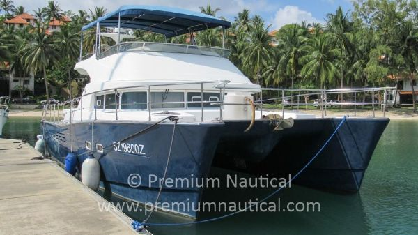 Lagoon Power 44 Starboard Bow