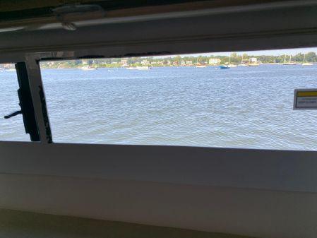 Carver 405 Motor Yacht image