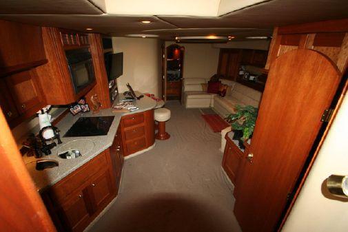 Cruisers Yachts 5370 Express image