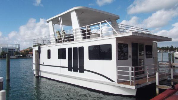Destination Sleepafloat/houseboat