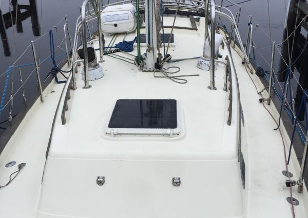 Pacific Seacraft 37 image