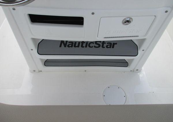 NauticStar 2102 Legacy image