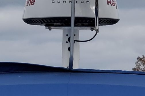 Chaparral 310 Signature Express Cruiser image