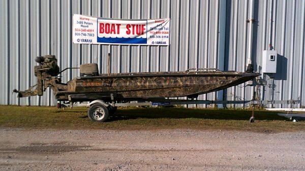 Excel 1751 Viper Duck Boat