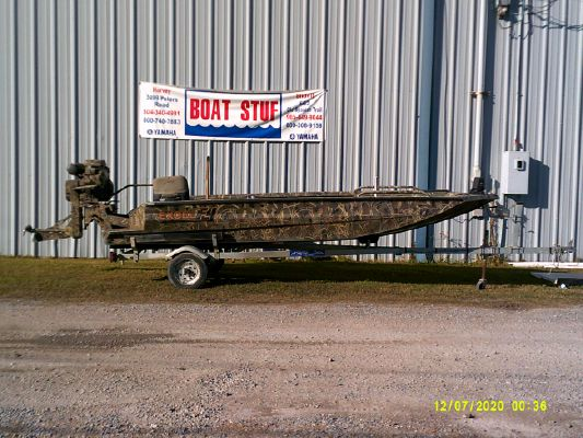 Excel 1751 Viper Duck Boat - main image