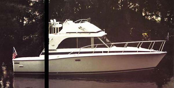 Bertram 33 Flybridge Cruiser image