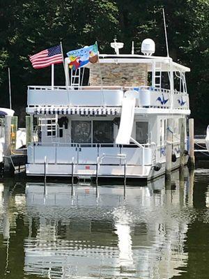 Sumerset Houseboat - main image