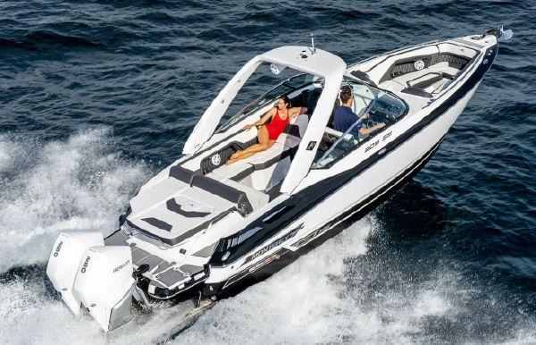 2019 Monterey 305 Sport Yacht