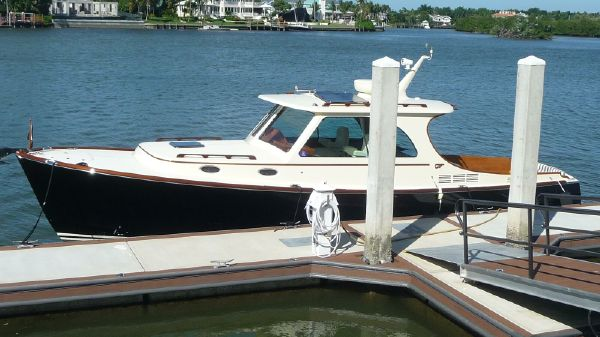 Hinckley 37 Picnic Boat MK III