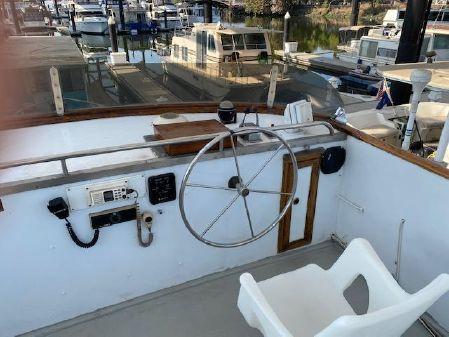 Marine Trader 44 image