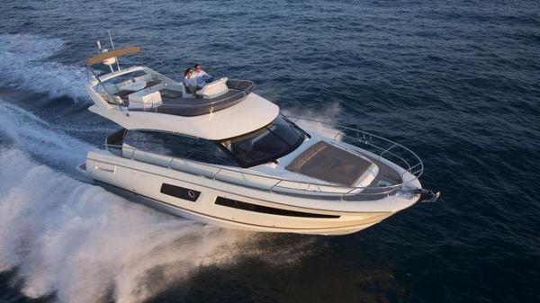 Prestige Yachts 460 Fly Running Shot