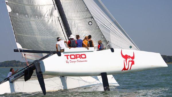 Design Catamaran Toro 34
