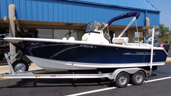 Sea Hunt Ultra 211 Exterior 1