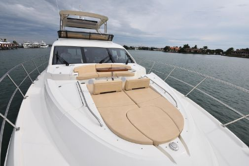 Sea Ray L650 Fly image