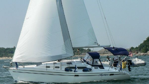 Catalina 350 Cheers (Sistership Hull #396)
