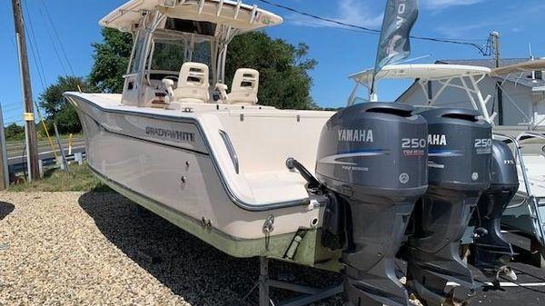 Grady-White Bimini 306