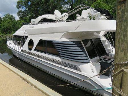 Bluewater 5200 Custom Series image