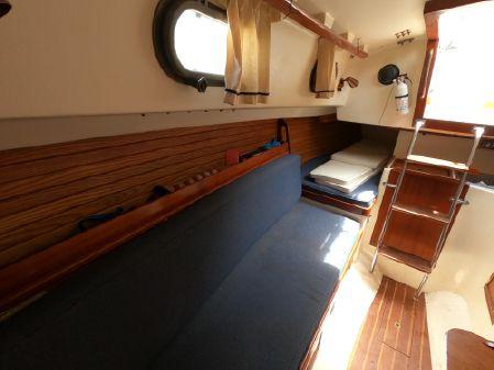 Cape Dory 25 D image