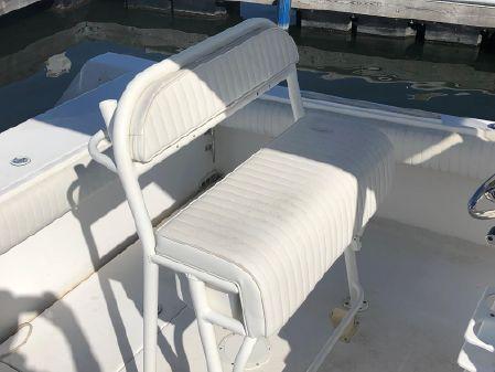 Regulator 24 Forward Seating image