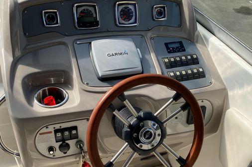 Chaparral 270 Signature Cruiser image