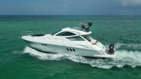 Cruisers Yachts 540 Sport Coupe