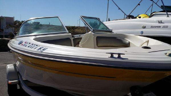 Sea Ray 185 Bow Sport