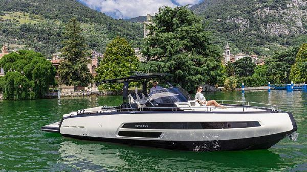 Invictus 370 GT by A. Fendi