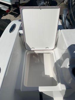 Sea Pro 219 Center Console image