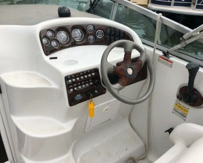Crownline 242 CR image
