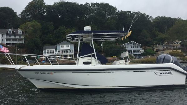 Boston Whaler Outrage 23 23 Boston Whaler Outrage 1999