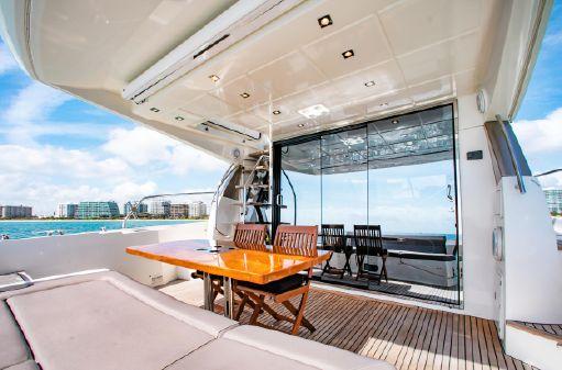 Prestige 550 Flybridge image