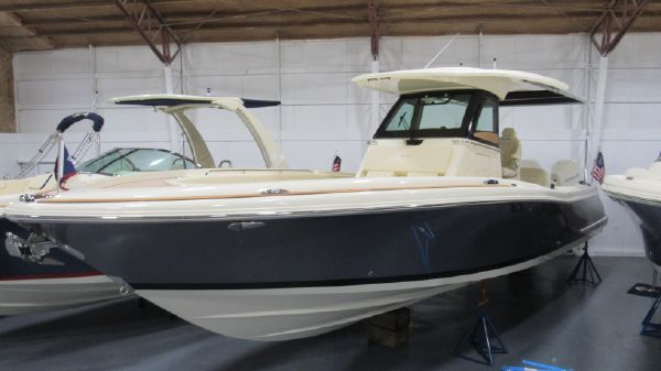 Chris-Craft Catalina 30