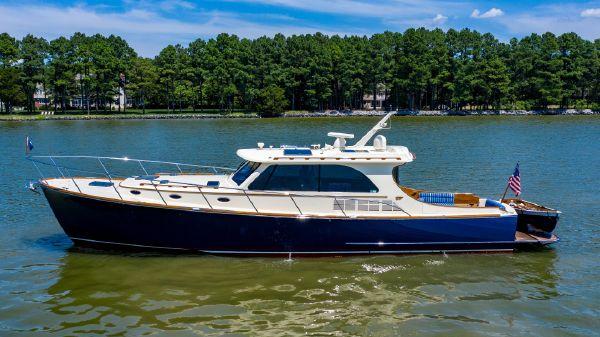 Hinckley T48 Motor Yacht